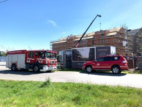 Brannvesenet undersøkte taket etter ankomst på Bruket. Da var brannen allerede slukket.