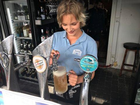 FRYS: På Sand Marina tappes ølen på glass som kommer rett fra fryseren.