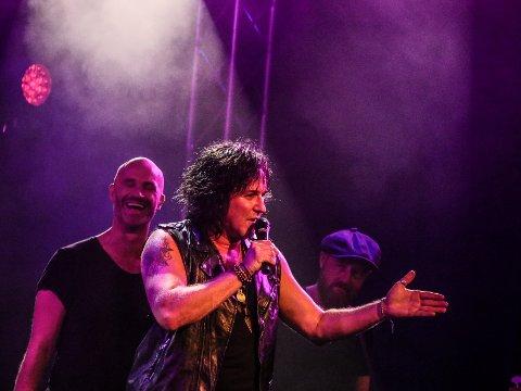 """Åge Sten Nilsen gjorde konsertversjonen av """"The Show Must go on"""" for første gang siden 23.november ifjor. Det skjedde på Quality lørdag."""