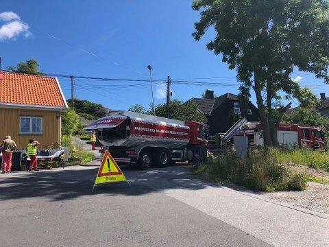 BRANN I KJELLER: Brann i kjelleren i en enebolig i Furuholtveien førte til kraftig røkutvikling i en bolig på torsdag. Brannen var slukket i løpet av kort tid.