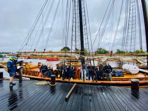 GÅR I LAND: Denne gjengen går i land på Hvaler i helga, og med seg har de en rekke aktiviteter og leker for små og store. Kong Neptuns Sommertokt er på Skjærhalden mellom klokken 12.00 og 15.00 lørdag 25. og søndag 26. juli.