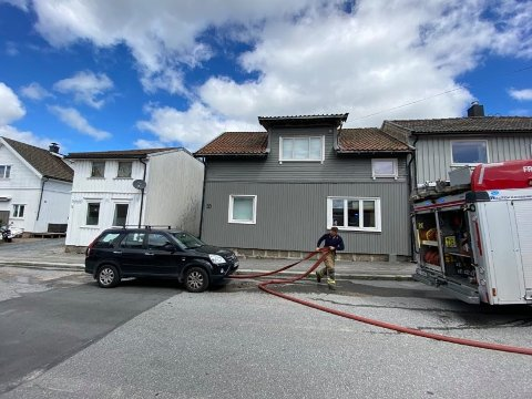 – IKKE DRAMATISK: FBs reporter på brannstedet melder at det ikke er noen stor dramatikk rundt hendelsen.