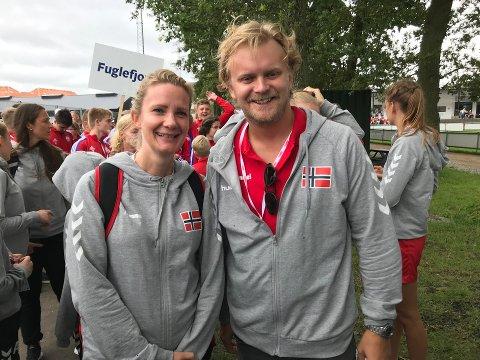 Linda Frogner Antonsen og Kristoffer Hals kan denne høsten ønske 700 kursdelatgere velkommen til svømmekurs i regi av Kongstensvømmerne.