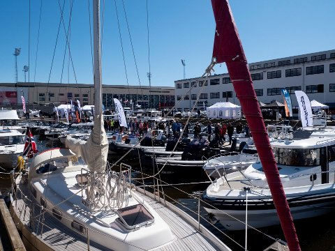 Gjestehavna på Værste har høyt belegg. Dette bildet er tatt under en båtmesse i fjor.