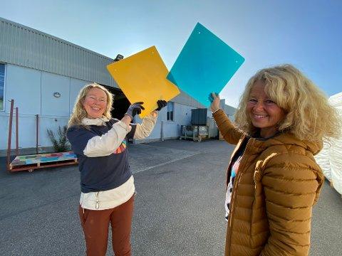 1000 fiskekasser blir til 3500 fargerike takplater i Håpets katedral med hjelp fra plastbedriften Biobe. De blir fine når lyset skinner igjennom sier  Solveig Egeland (til venstre) og Anne Skauen.