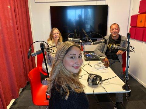 Bianca Skoglie snakker med Randi Kristoffersen og René Svendsen om politisk tro og tvil, om vonde opplevelser på skole og i musikkbransjen, og om å bli respektert som relativt uerfaren 25-åring i Fredrikstad Frp.