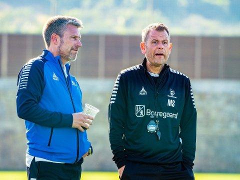 Sarpsborg 08s hovedtrener Mikael Stahre (til høyre) og sportslig leder Thomas Berntsen har bestemt seg for å ikke møte FFK i oppkjøringen.