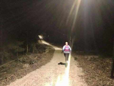 Denne uken kom endelig lyset på i Gressvikmarka. De første turgåerne og joggerne lot ikke vente på seg.