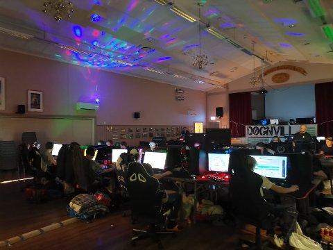Folkets Hus i Torsnes er stedet om du er over 13 år og liker dataspill.