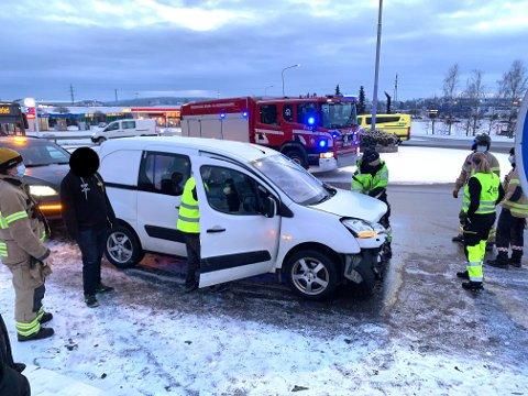 Uhellet skjedde i rundkjøringen på fylkesvei 109 ved Østfoldhallen.