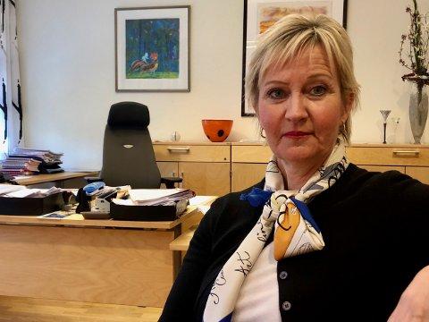 Sorenskriver Wenche Flavik var rettens administrator da saken mot  den unge kvinnen som bedro menn via Tinder ble behandlet i Moss tingrett.