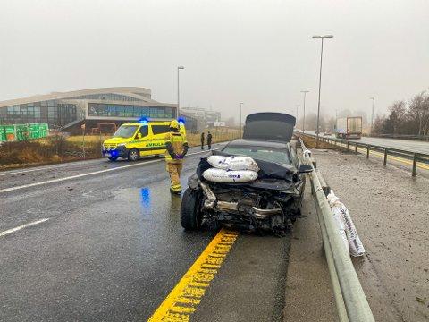 Bilen til den siktede mannen fikk store materielle skader etter ulykken.