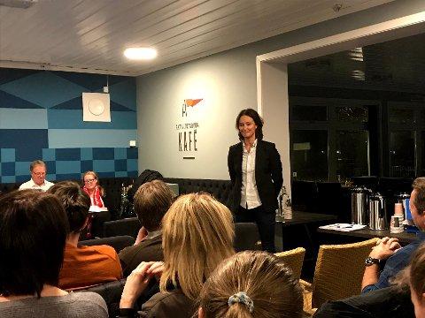 Monique Blystad innrømmer at det har vært et krevende år som styreleder i FBK. Torsdag måtte hun for andre gang sende ut premitteringsvarsel til spillere og trenere i klubben.