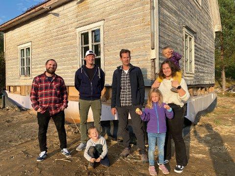 OPPUSSING: Ivar Busterud Bjørnstad (fra venstre), Erik Follestad, Kåre Bjørnstad, Jon Almaas, Lina Bjørnstad, Pernille Lier Bjørnstad og Per Bjørnstad.