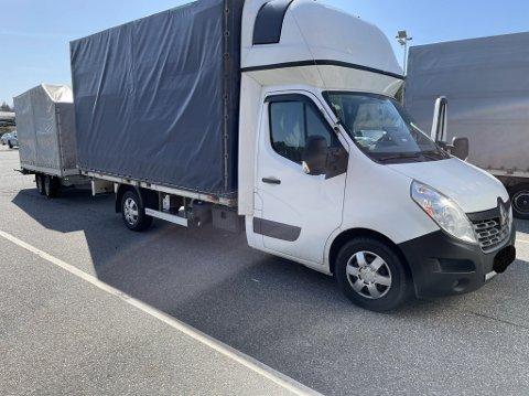 ANMELDT: Sjåføren av denne varebilen ble anmeldt på Svinesund mandag.
