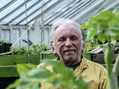 Agronomen og øko-landbrukeren, Bernt Andersen har gjennom et helt liv kunne kalle seg radikal. Men han mener det er dom som står for det motsatte som virkelig er radikale. Lørdag fyller han 70 år.