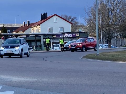Flere politipatruljer var i sving da UP hadde kontroll ved Fredrikstadbrua.
