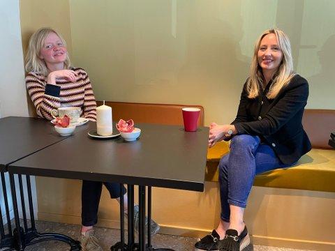Mona Johansen og Hilde Kynningsrud er fornøyde med Nye Bryggerhuset.