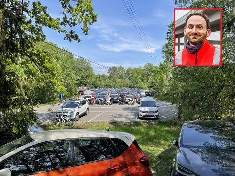 Øystein Buran, programleder for kommunens sykkelprogram, har sendt kommunen et innspill om å innføre parkeringsavgift på Foten om sommeren. Han antyder at det ville ført til mindre parkeringskaos i området.