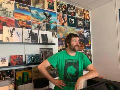 TRIST: Dennis Tater Andersson må stenge dørene til  Moonrise Records. Foto:Ivar Brynildsen
