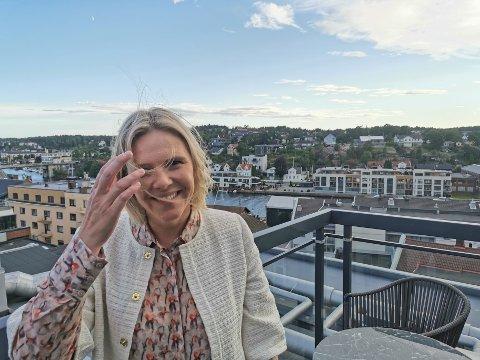 Sylvi Listhaug på terrassen i åttende etasje på Quality.