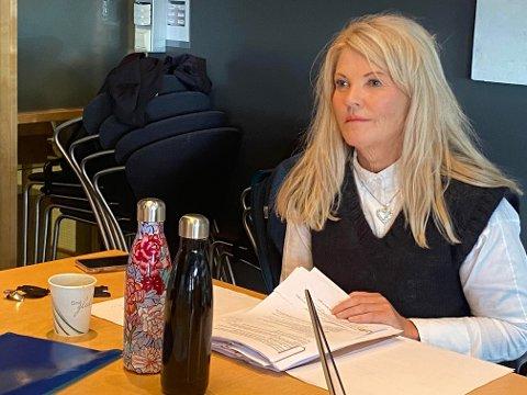 Leder Rita Holberg (H) og kontrollutvalget fikk høre at kommunen har systemer og følger lovverket i arbeidet med å forebygge sykefravær. Samtidig gir enkeltansatte opplysninger som gir bekymring.