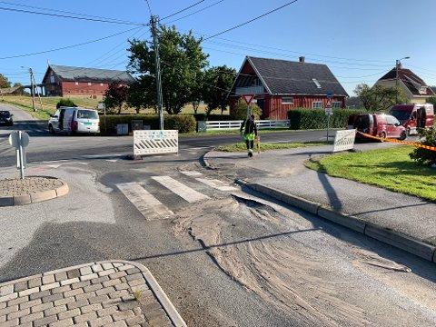 Fredrikstad kommune var i ferd med å grave seg ned til vannledningen onsdag formiddag.