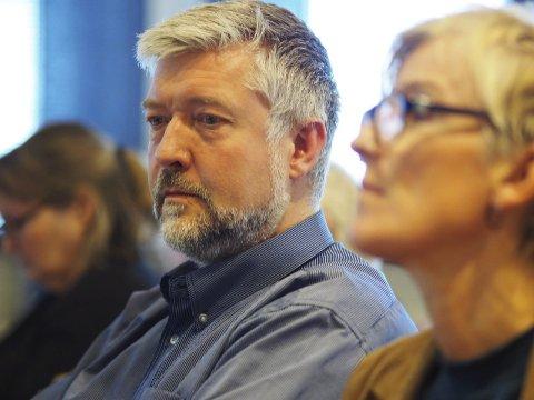 Fikk vedtatt forslag: Boy-Arne Buyle (KrF) la fram et fellesforslag på vegne av politikerne i Narvik. Det ble enstemmig vedtatt. Foto: Terje Næsje