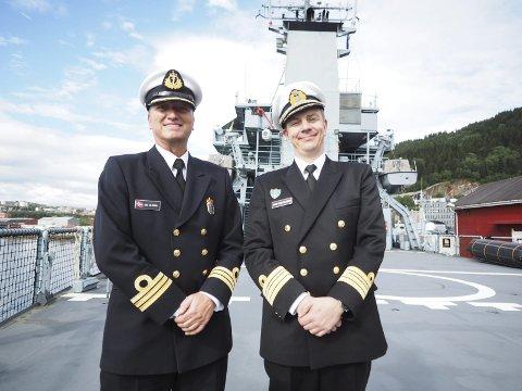 På plass i Narvik: Den norske liaisonoffiseren Are Ølberg sammen med den estiske kommandørkapteinen Johan-Elias Seljamaa. Foto: Lone Martinsen