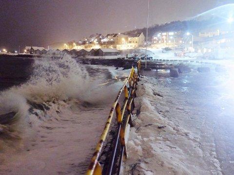 VIL NÅ UT: Med det nye fargesystemet ønsker Meteorologisk institutt å enklere formidle at det meldes farlig vær. Her fra stormen Ole i februar 2015.