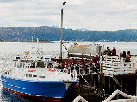 Arkivfoto Hurtigbåten mellom Kjeldebotn og Evenes