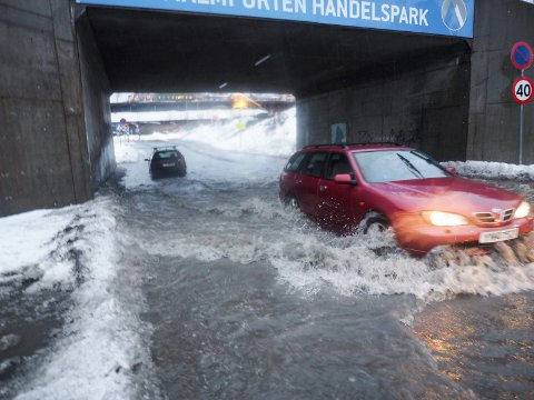 Dette bildet ble tatt ved flommen på Malmporten i januar i år.