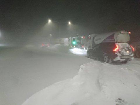 STENGT: Bildet fra tollstasjonen på Bjørnfjell i 2017 er en god illustrasjon på hvordan denne vinteren har vært.