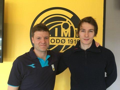 Aleksander Torvanger, til høyre, skal spille under Aasmund Bjørkan og Glimt i onsdagens cupkamp mot Fauske Sprint.