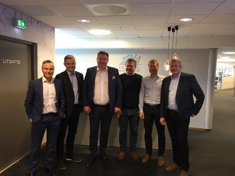 I Oslo: Fra venstre: Eirik Frantzen, Ragnar Norum, ordfører Rune Edvardsen, Erik Plener, Roger Fagerheim og skipresident Erik Røste.