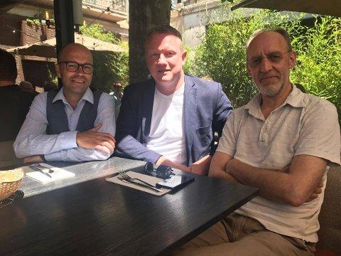 Trond Eliassen og Tom Vidar Karlsen fra Storyline Nor er sammen med Aage Aaberge fra Nordisk film på plass i Cannes.