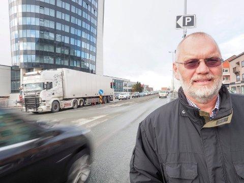 MISFORNØYD: Varaordfører i Narvik, Geir-Ketil Hansen (SV), hadde håpet at det skulle komme flere arbeidsplasser til Narvik. Arkivfoto: Terje Næsje.
