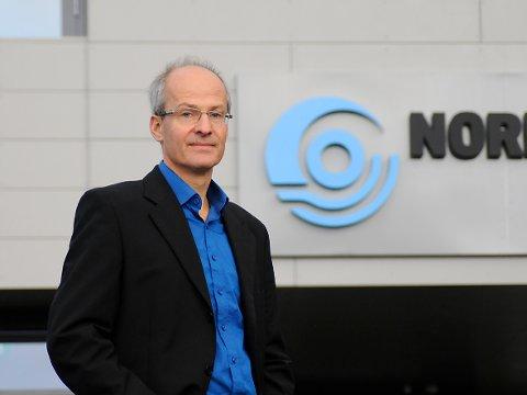 Sverre Mogstad, stabssjef i Nordkraft har allerede tenkt på hva de skal bruk de sparte pengene på. Foto: Kristoffer Klem Bergersen