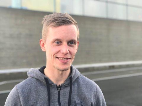 Max Davis-Lind debuterte som trener for Narvik Innebandyklubb.