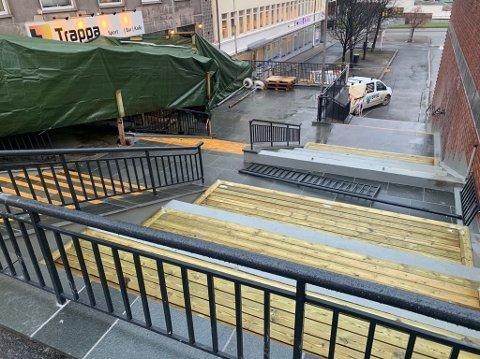 Snart ferdig: Arbeidet med å totalrenovere Søndre Torvhalltrapp er snart ferdig.