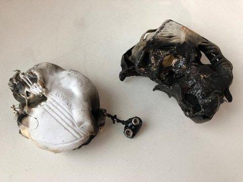 Disse røykvarslerne manglet batteri da det begynte å brenne. Det kunne gått galt. Likevel svarer en av fire at de ikke sjekker røykvarsleren i en ny undersøkelse.