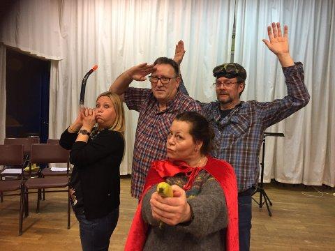 Fra venstre: Thorill Fagerthun, Kjell Magne Øvre, Ari Raudaskoski. Foran: Veronica Frette Evensen (Skuespillergrupppen)