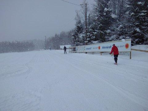 TESTER LØYPENE: I litt snø var det flere som testet løypene.