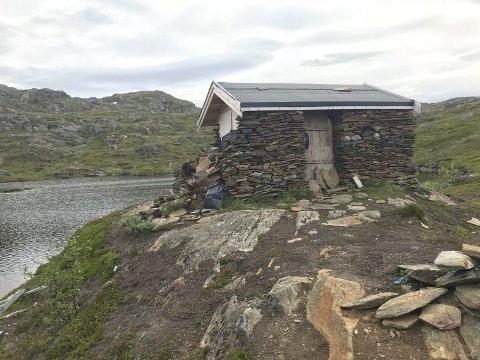 Steinbu: Den flotte hytta ligger i Håkvikdalen. Parker ved Klefterå-brua, og gå stien opp langs elva. Alle foto: Ann-Kristin Hanssen