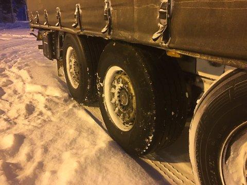 Kontrollerer: Ikke alle vogntogene som kontrolleres, har ting på stell. Bare på Bjørnfjell har Statens vegvesen ilagt 56 reaksjoner til sjåfører i perioden 1.-22. januar.