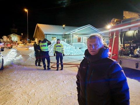 Rektor Stein Roar Jacobsen var raskt på plass etter at han fikk beskjed om at det var brann på skolen.