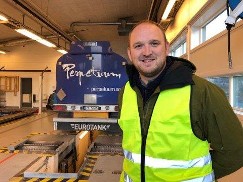 Samferdselsminister Jon Georg Dale på tungbilkontroll på Tromsdalen kontrollstasjon 15. oktober.