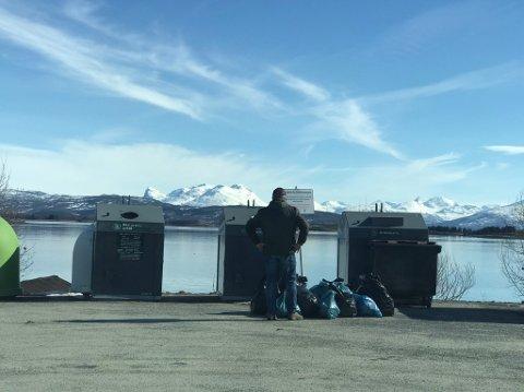 Onsdag dupet flere ukjente personer ulovlig søppel på en parkeringsplass ved Liland Brygge.