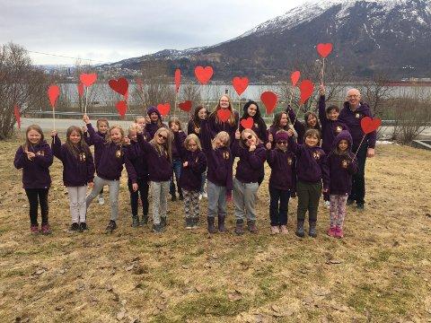 Deltar: Ankenes barnekantori skal, sammen med Narvik kirkes barne- og ungdomskantori og Ankenes barneklubb, være med på framføringen av Rødstrupen i Narvik kirke.