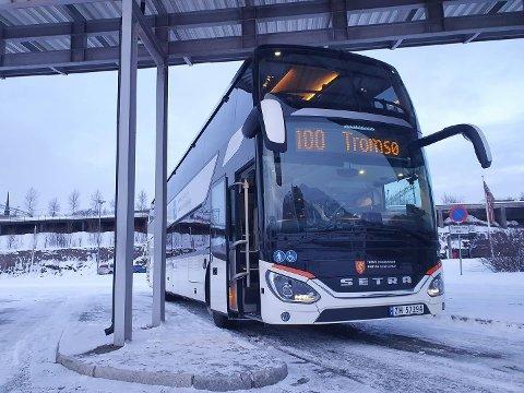 BESTÅR: Rutetilbudet mellom Narvik og Tromsø består foreløpig, men Troms fylkestrafikk reduserer ellers kollektivtilbudet sitt.